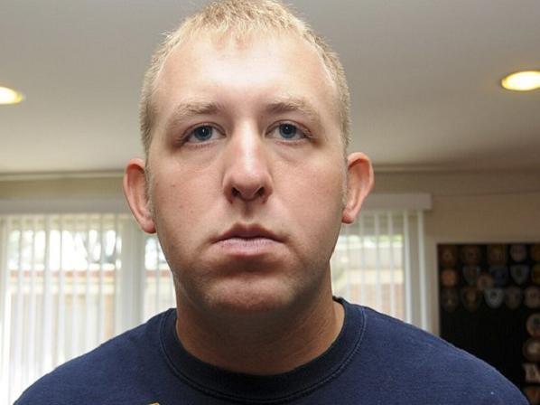 Viên cảnh sát da trắng Darren Wilson