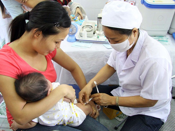 Chưa có ca nào tử vong vì chất lượng vaccine ảnh 1