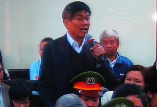Tại tòa, ông Trần Đình Long - Chủ tịch Tập đoàn Hòa Phát khẳng định chỉ biết cổ phiếu bị thế chấp khi QĐT thông báo