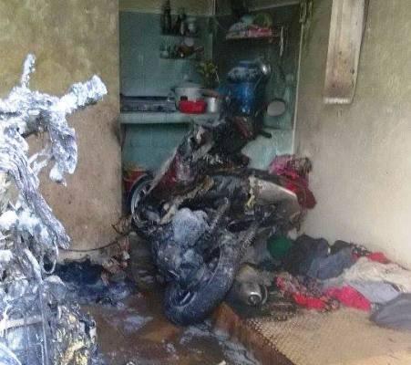 Hiện trường căn phòng trọ bị cháy làm 5 người bị thương