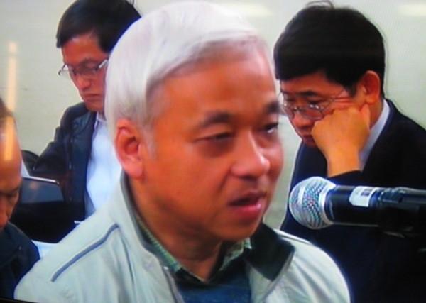 Trong khi đó, bị cáo Nguyễn Đức Kiên lại cho rằng đại diện Tập đoàn Hòa Phát đương nhiên biết tình trạng của cổ phiếu