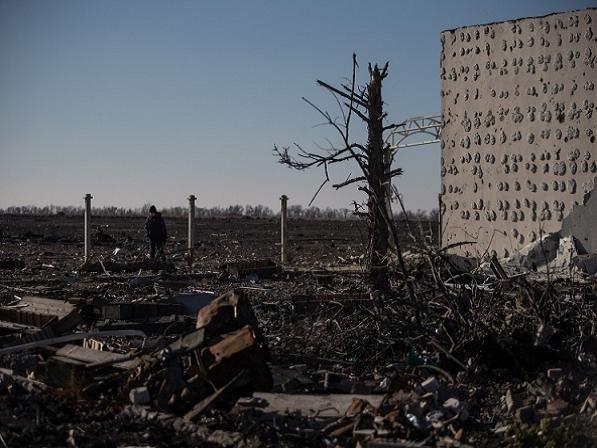Cảnh hoang tàn sau các cuộc giao tranh ở miền đông Ukraine