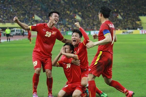 Bán kết lượt đi AFF Suzuki Cup 2014: Chiến thắng 2-1 xứng đáng thuộc về tuyển Việt Nam ảnh 1