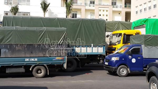 Hà Nội: Phát hiện 9 xe tải và 40 tấn hàng hóa có dấu hiệu vi phạm pháp luật ảnh 4