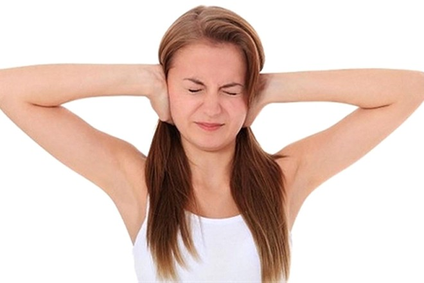 Gõ trống tai giúp cải thiện ù tai tại nhà
