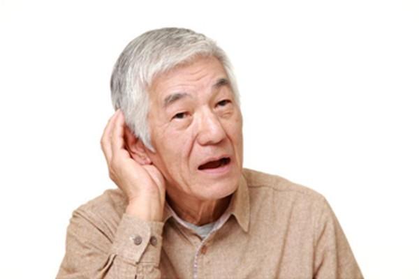 Có nhiều nguyên nhân gây điếc tai