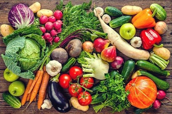 Chế độ ăn hợp lý giúp giảm tiểu không tự chủ