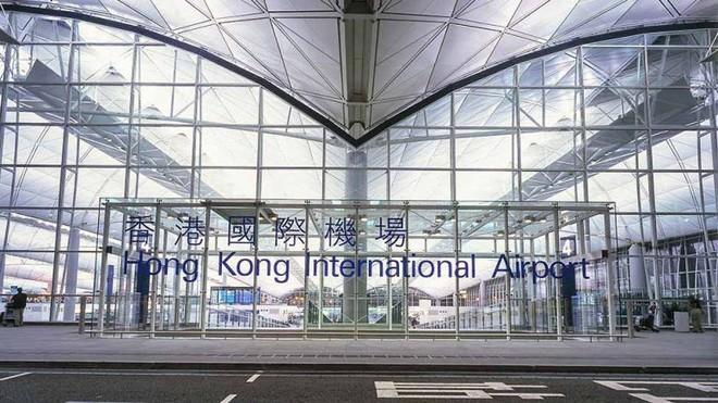 Một bé sơ sinh bị bỏ trong túi nilon tại nhà vệ sinh sân bay quốc tế Hồng Kông