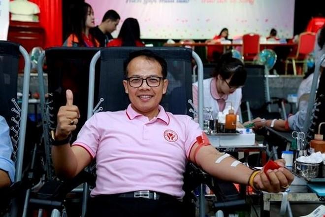 Ạnh Chinoros Benjachavakul hiến máu tại Lễ hội Xuân hồng 2018