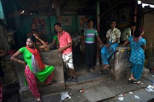 Một nhà chứa tại Bangladesh