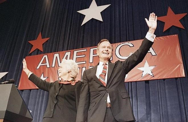 Tổng thống George Bush đắc cử năm 1989