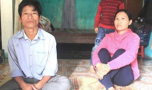 """Vợ chồng anh Ba, chị Hằng đành trở về tay trắng sau 2 năm lao động """"chui"""" ở Trung Quốc"""