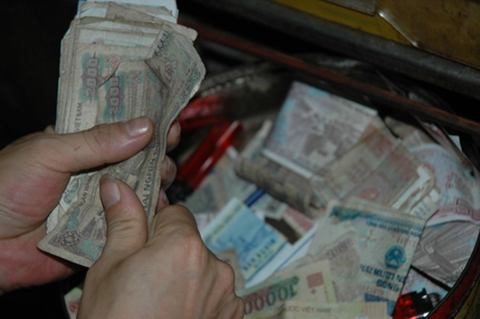 Cúng tiền lẻ khi đi chùa thực tế là một điều không nên làm