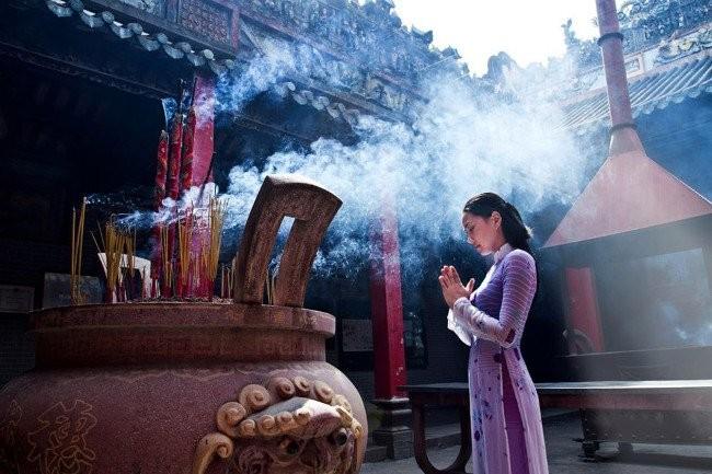 Khi vào chùa lễ bái cần giữ tâm thanh tịnh