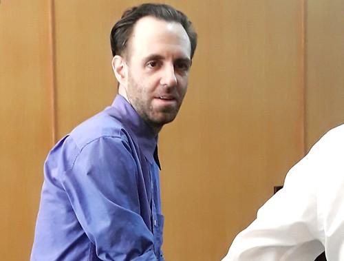 Ông Shane Denoon bị tuyên án 3 năm tù giam