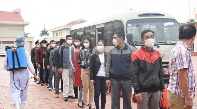 11 hành khách đi chung chuyến bay với bệnh nhân Covid-19 thứ 51 tại Nghệ An đã được cách ly, theo dõi sức khỏe