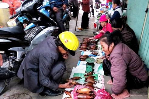 Với người dân nơi đây, món thịt chuột gần như đã trở thành đặc sản, được đưa vào thực đơn đãi khách gần xa