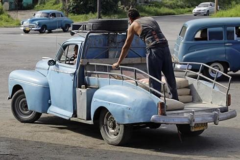 """[ẢNH] """"Bảo tàng"""" xe cổ không nơi nào có ngoài Cuba ảnh 13"""