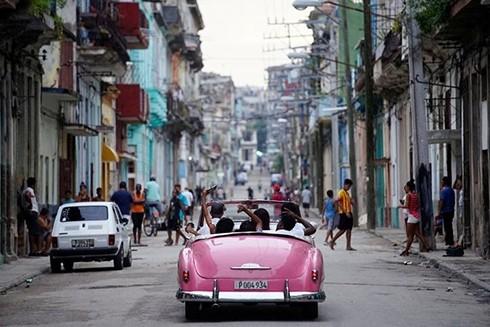 """[ẢNH] """"Bảo tàng"""" xe cổ không nơi nào có ngoài Cuba ảnh 16"""