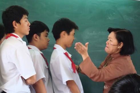 """Những vụ giáo viên hành xử dị thường, phạt học trò theo kiểu """"không thể nghĩ ra"""" ảnh 4"""
