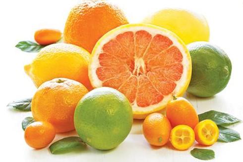 Để tăng cường sức đề kháng trong 3 tháng đầu, mẹ bầu đừng quên ăn nhiều cam, chanh, bưởi