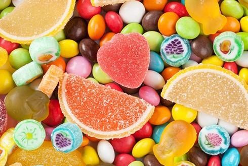 Ăn nhiều đồ ngọt sẽ khiến da bạn bị lão hóa nhanh hơn