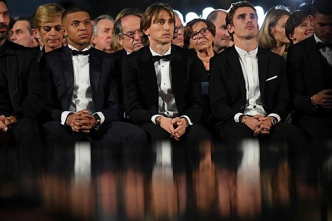 Khoảnh khắc Luka Modric rạng rỡ nhận danh hiệu quả bóng vàng 2018 ảnh 3