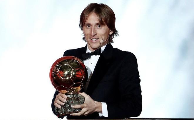 Khoảnh khắc Luka Modric rạng rỡ nhận danh hiệu quả bóng vàng 2018 ảnh 5