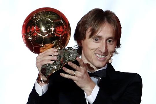 Khoảnh khắc Luka Modric rạng rỡ nhận danh hiệu quả bóng vàng 2018 ảnh 6