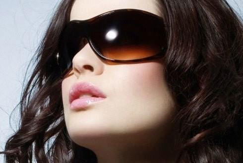 Những thói quen hàng ngày gây hại cho mắt mà bạn cần phải bỏ ngay ảnh 6