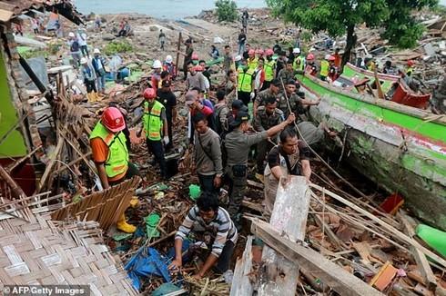 Hơn 200 người đã thiệt mạng và hơn 800 người khác bị thương