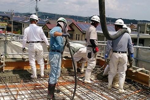 """Lao động """"chui"""" ở nước ngoài: Đi dễ - Về khó ảnh 1"""