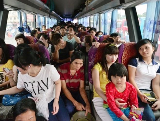 [ẢNH]: Kinh hoàng cảnh nhồi nhét khách trên những chuyến xe ngày tết ảnh 14