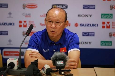 HLV Park Hang Seo ở buổi họp báo sau trận đấu với Triều Tiên. Ảnh: Tiền Phong