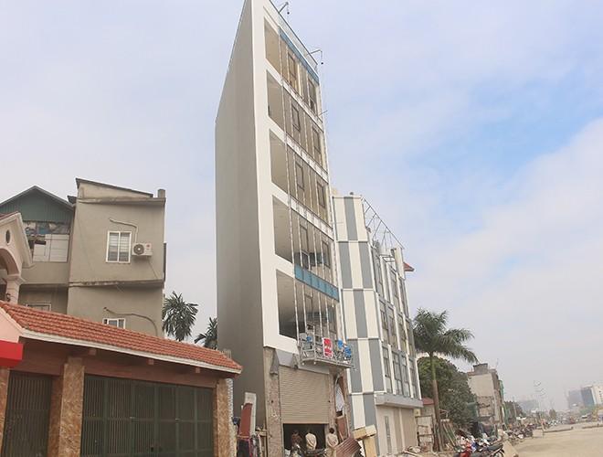 """""""Kiến trúc"""" lạ, """"kì dị"""" của nhiều căn nhà trên đường Phạm Văn Đồng ảnh 15"""