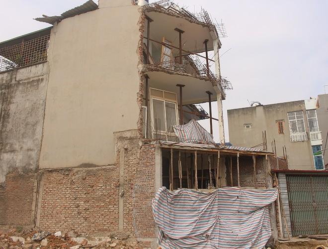 """""""Kiến trúc"""" lạ, """"kì dị"""" của nhiều căn nhà trên đường Phạm Văn Đồng ảnh 16"""