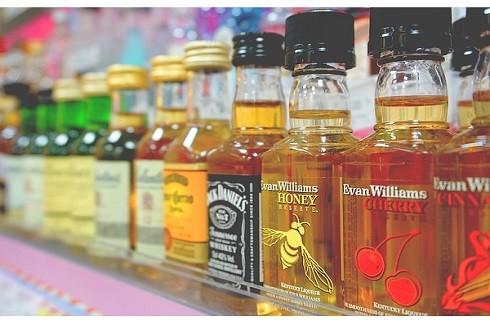 Lo ngại gia tăng tình trạng ngộ độc rượu dịp Tết ảnh 1