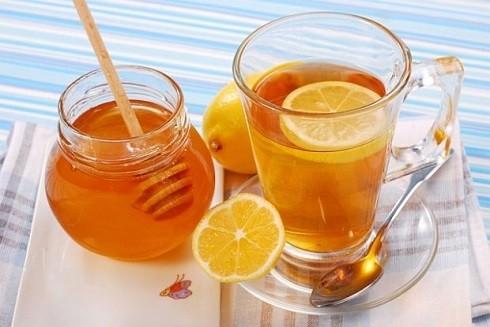 Uống mật ong với nước uống hàng ngày giúp nâng cao hệ miễn dịch cho cơ thể
