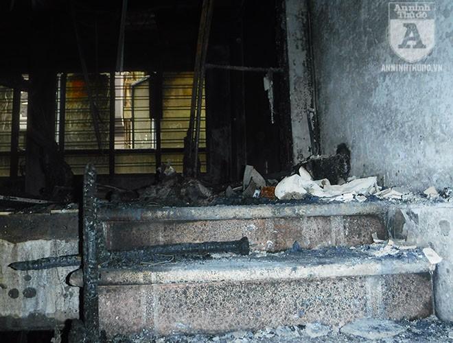 [ẢNH] Bên trong hiện trường rợn người của đám cháy trên phố Lạc Trung ảnh 6