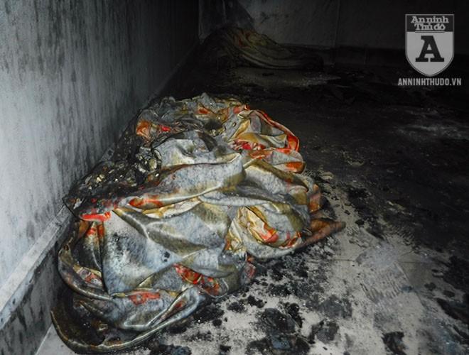 [ẢNH] Bên trong hiện trường rợn người của đám cháy trên phố Lạc Trung ảnh 11