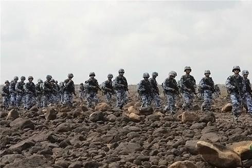 Binh sĩ Trung Quốc tham gia huấn luyện gần căn cứ ở Djibouti