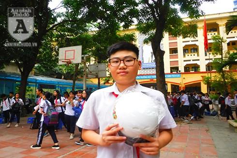 Em Lê Quang Anh, học sinh Lớp 8C, Trường THCS Vân Hồ