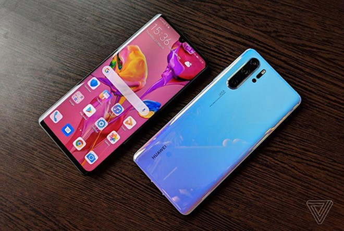 Những smartphone tương lai của tập đoàn Huawei sản xuất có thể sẽ phải sử dụng phiên bản Android nội địa, không có dịch vụ Google (Nguồn: TASS)