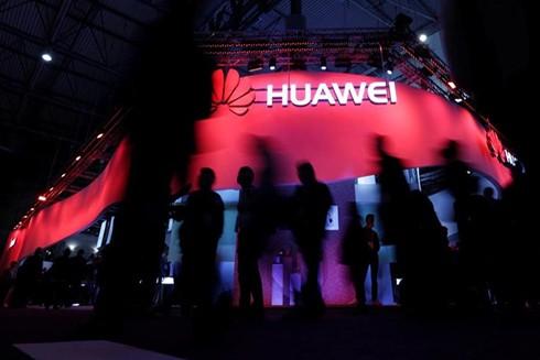 Tập đoàn Huawei của Trung Quốc đang đứng trước thời điểm cực kỳ khó khăn bởi ảnh hưởng từ chiến tranh thương mại Mỹ - Trung (Nguồn: AP)
