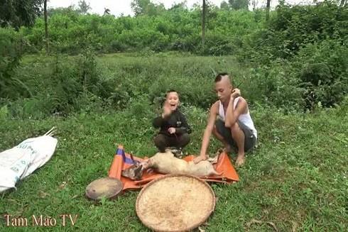 Anh em Tam Mao trong các video YouTube thu hút hàng triệu lượt xem