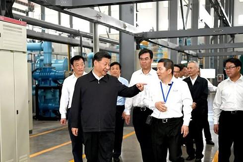 Chủ tịch Trung Quốc Tập Cận Bình viếng thăm một mỏ đất hiếm ở tỉnh Giang Tây (Nguồn. Xinhua)