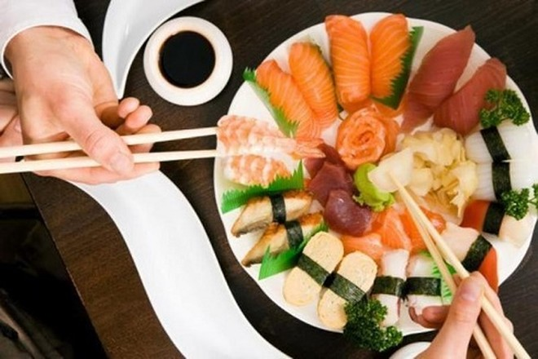 Người Nhật sử dụng nhiều rau và cá trong bữa ăn hàng ngày để có sức khỏe tốt, là bí kíp duy trì tuổi thọ