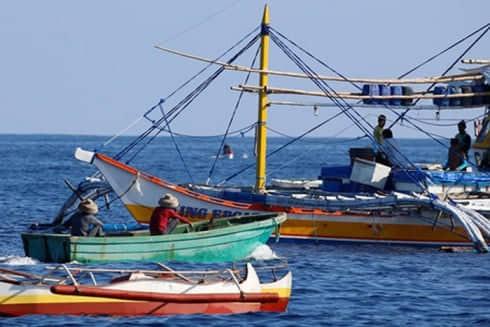 Philippines cáo buộc tàu Trung Quốc gây nguy hiểm cho các ngư dân nước này trên Biển Đông. Ảnh: Reuters