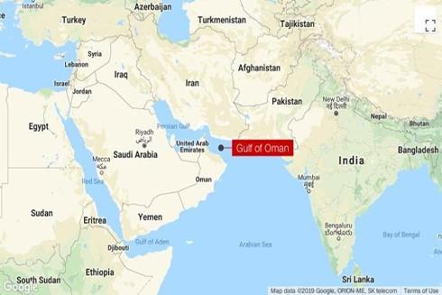 Vịnh Oman nối với Vịnh Ba Tư qua eo biển Hormuz rộng 34 km. 1/3 lượng dầu thô, 1/5 lượng khí tự nhiên của thế giới đi qua vùng biển này. (Nguồn: CNN)