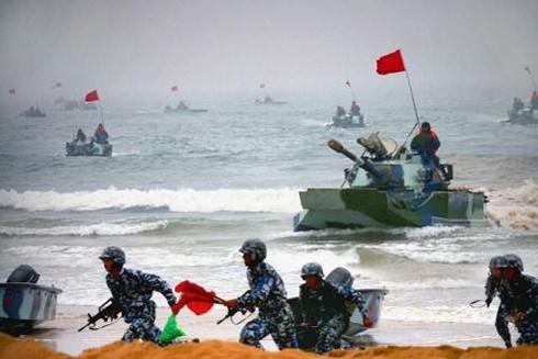 Hải quân Trung Quốc (PLA) tiến hành tập trận trên biển